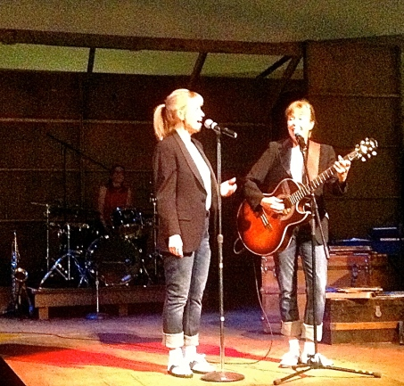 The Bye Sisters sing the Everley Brothers