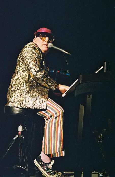 Steve Todd - Elton Medley - A Mid 70s Night's Dream